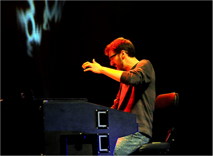 Sergio Rodigues Keyboards Hammond B3 Live with The Trick. thetrick.fr